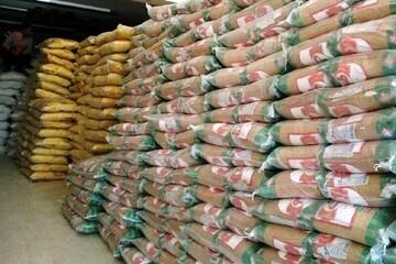 بیش از ۸۰ تن کالای اساسی ویژه ماه مبارک رمضان در شهرستان استهبان توزیع می شود